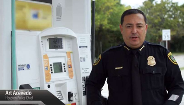 Credit card skimmers problem gets attention of Houston's police chief, promotes safety tips video